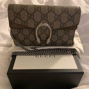 Gucci Dionysus Supreme Super Mini Bag